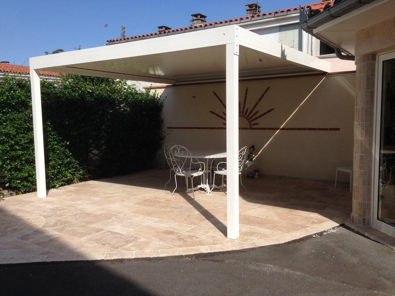 brise soleil horizontal motoris 3 m x m sur deux pieds. Black Bedroom Furniture Sets. Home Design Ideas
